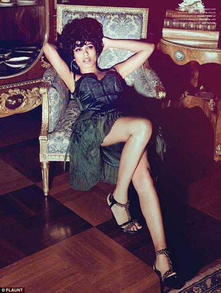 Le photoshoot de Freida Pinto pour le magazine indien Flaunt