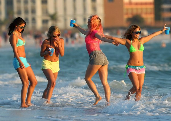 "Photos du tournage de ""Spring Breakers"", le film tant attendu avec Selena Gomez Vanessa Hudgens et Ashley Benson"
