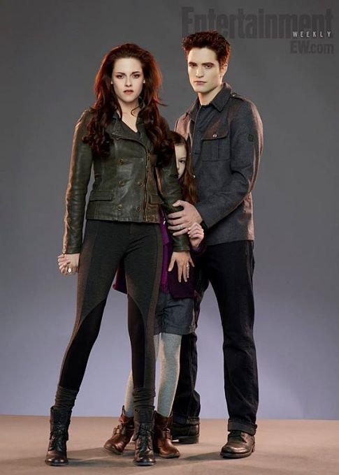 Enfin la première photo de Renesmee, l'enfant moitié vampire, moitié humaine de Bella Swan et Edward Cullen