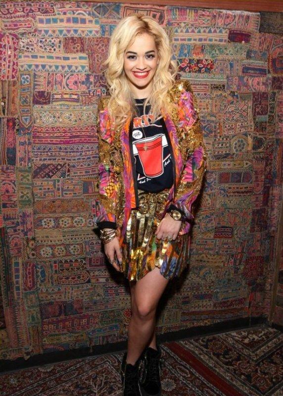 Rita Ora pose en coulisses après son concert Lift Vevo qui a eu lieu au Théâtre Gramercy à New York.