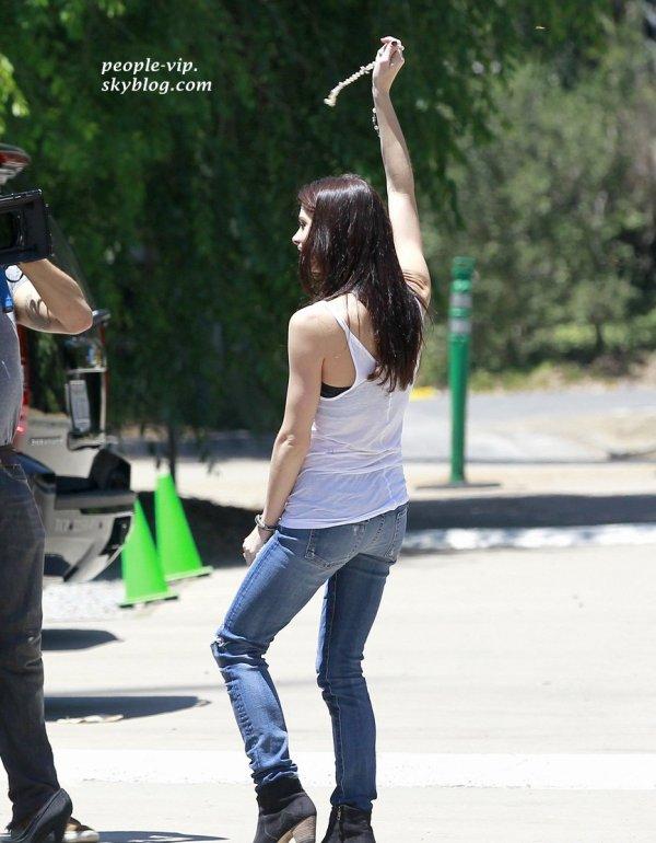 """Ashley Greene au  parc """"Coldwater Canyon"""" à Beverly Hills, en Californie. Dimanche, 17 juin"""
