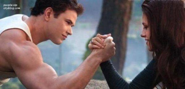 De nouvelles photos de Twilight 4 Breaking Dawn Partie 2 ont étaient dévoilées dans le magazine Entertainment.