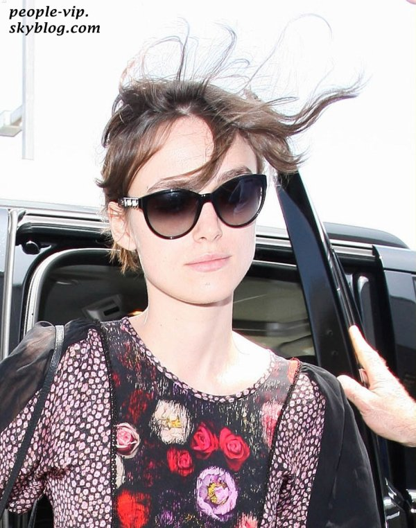 Keira Knightley à l'aéroport LAX de Los Angeles. Mercredi, 20 juin