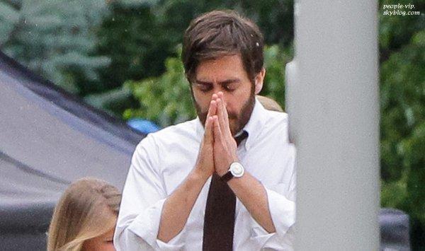 """Jake Gyllenhaal sur le tournage de son prochain film """"An Enemy"""" à l'université de Toronto, au Canada. Dimanche, 24 juin"""