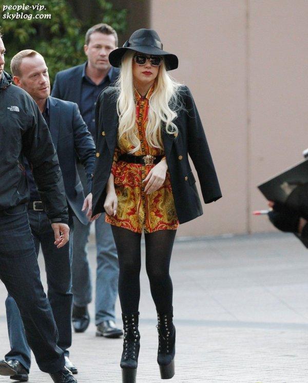 Lady Gaga se promène à Melbourne, en Australie. Lundi, 25 juin