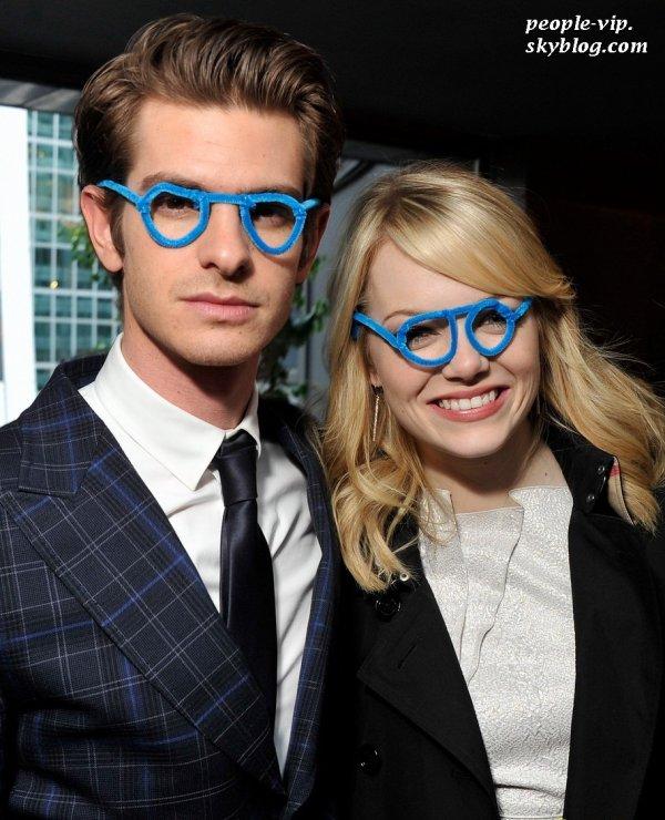 Emma Stone et Andrew Garfield ont assisté au Worldwide Orphans Foundation Cocktail Party à l'hôtel Royalton à New York. Mardi, 26 juin