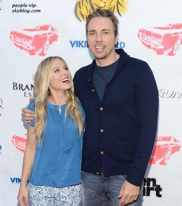 """Kristen Bell et Dax Shepard à une conférence de presse pour leur prochain film """"Hit & Run"""" à Los Angeles. Mercredi, 27 juin"""
