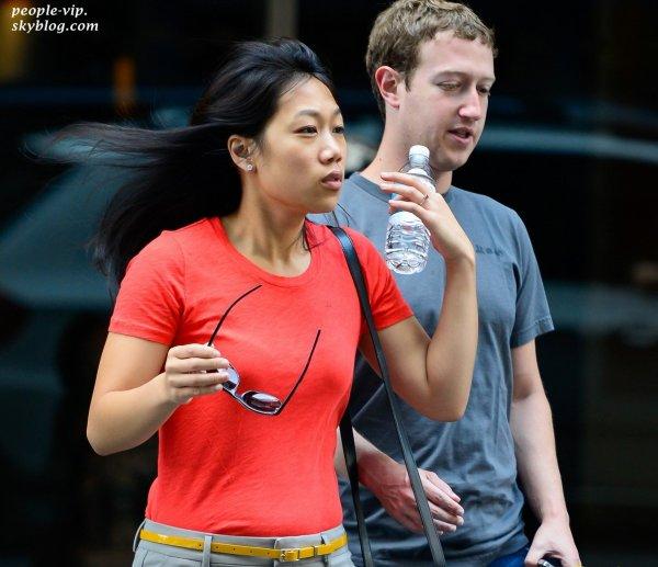 Mark Zuckerberg, le créateur de Facebook, et sa femme Priscilla Chan dans les rues de New York. Dimanche, 01 juillet