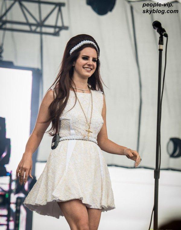 La prestation de Lana Del Rey au Eurockeennes Music Festival à Belfort, France. Dimanche, 01 juillet