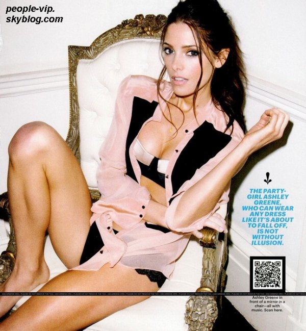 Photoshoot de Ashley Greene pour Esquire Magazine.