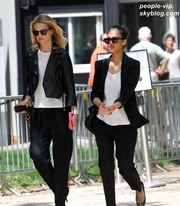 Jessica Alba faisant du shopping à Paris. Lundi, 02 juillet