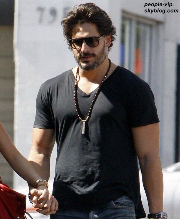 Joe Manganiello et sa petite amie dans les rues de Los Angeles. Mardi, 03 juillet