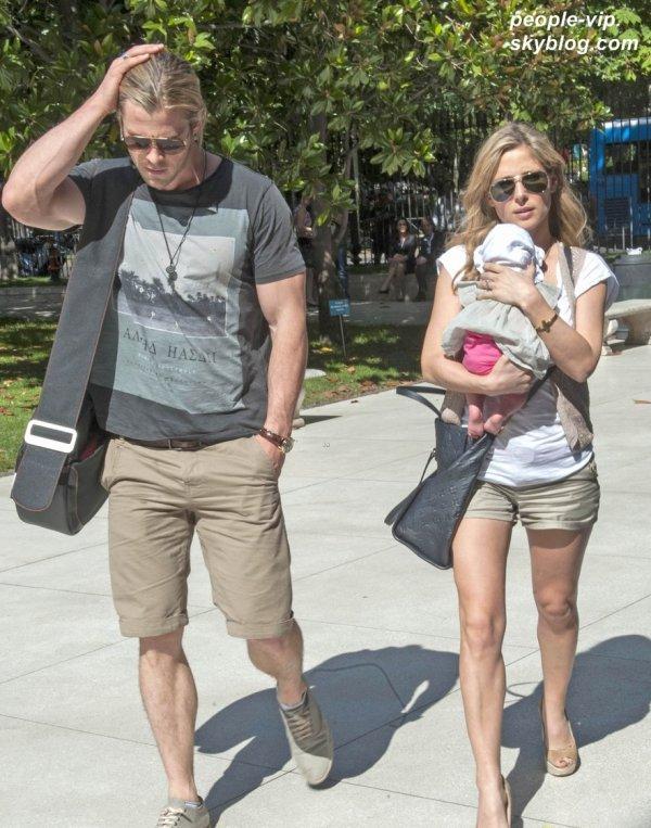 Chris Hemsworth passe du bon temps avec sa femme Elsa Pataky et sa fille India à Madrid, en Espagne. Mercredi,04 juillet