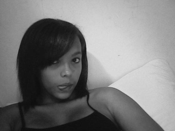 •♥ LoՁin Des Yeux , LoՁin Du Coeuur ♥•