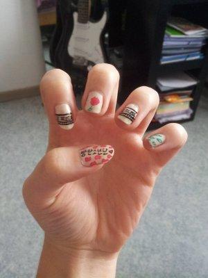 Nail Art Kpop ~ ♥