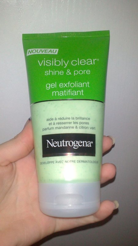 Mon avis sur : Le Gel Exfoliant Matifiant - Visibly Clear shine & pore de Neutrogena