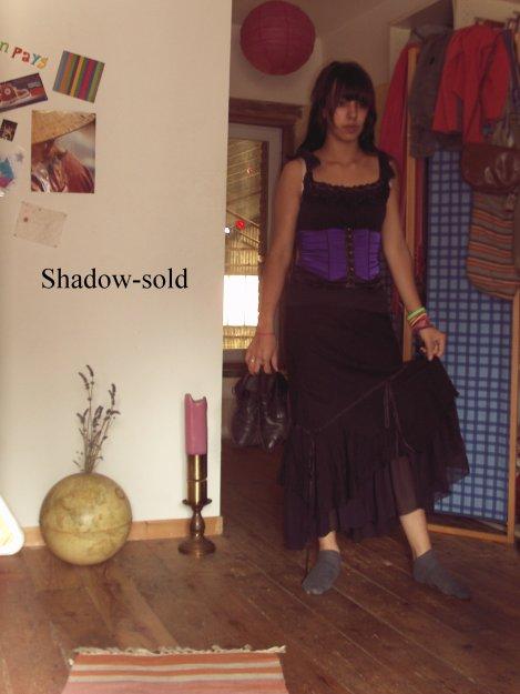Jupe goth, photo n°3 et chaussure photo n°2
