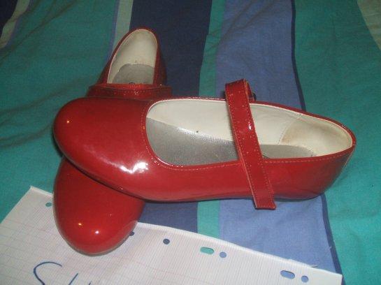 Ballerine rouge vernis T 40