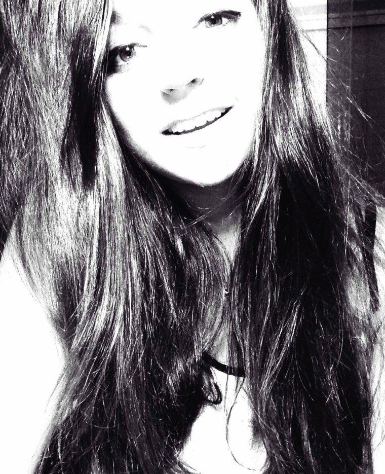 J'ai besoin de personne pour vivre ma vie, j'ai juste besoin de quelqu'un qui me la rende meilleure.