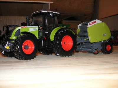 fendt 824 favorit et plateau maupu + claas arion 640 et presse claas
