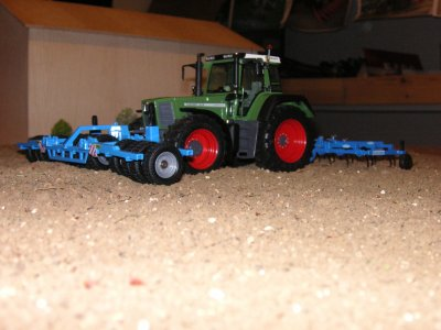 fendt 824 favorit + bonnel 6m et tasse avant 6m