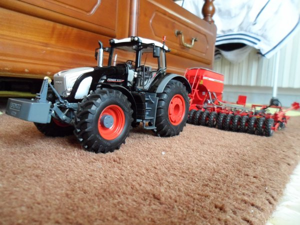 Fendt 939 Black Beauty et semoir Horsch 8m