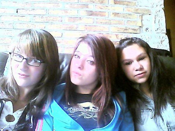 Nous Trois !! <3