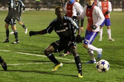 Premier match et premier but de Sidoine Oussou