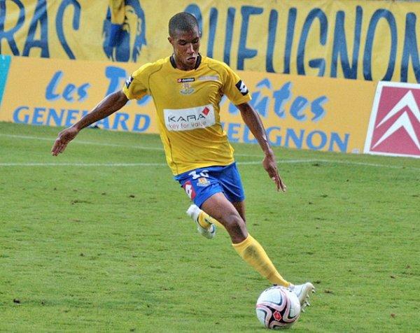 Emmanuel Imorou signe à Clermont