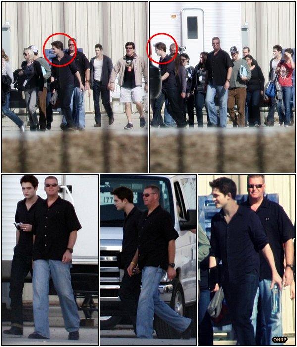 __ 31 Janvier 2011 | Robert était sur le tournage de Breaking Dawn à Bâton Rouge, en Louisianne. __