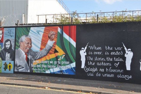 Fresque de Nelson Mandela a Belfast