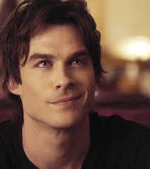 Elena ne voie pas Damon comme un monstre
