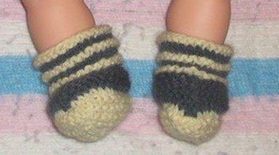 combinaison courte et chaussons assortis.