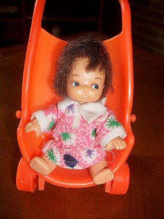 essai couffin miniature en tricot.