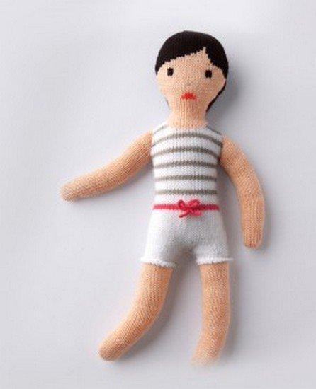 je tricote une poupée petit mousse.