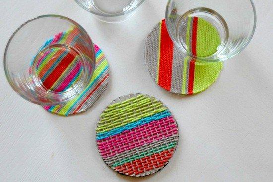 Les sous-verres en laine tissée