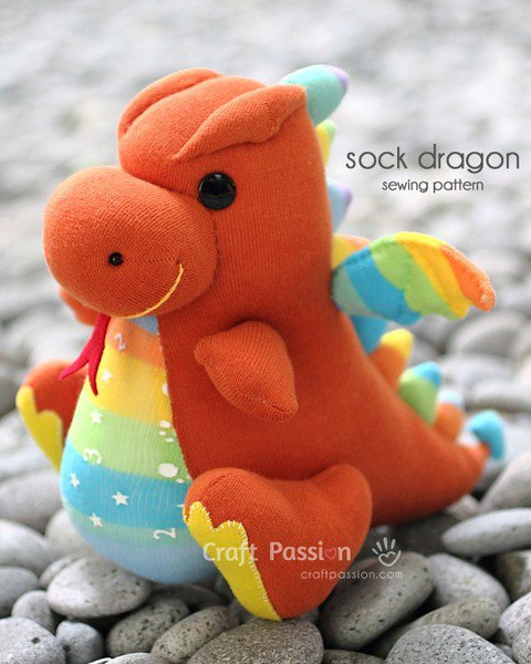 tuto couture : dragon chaussette.