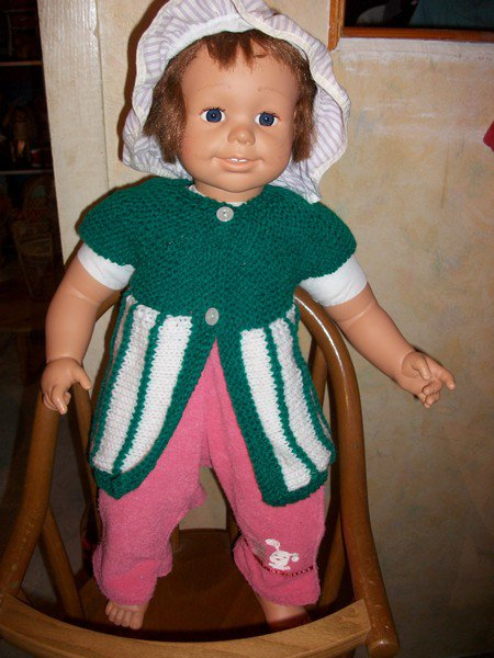 gilet en rangs raccourcis pour poupée.