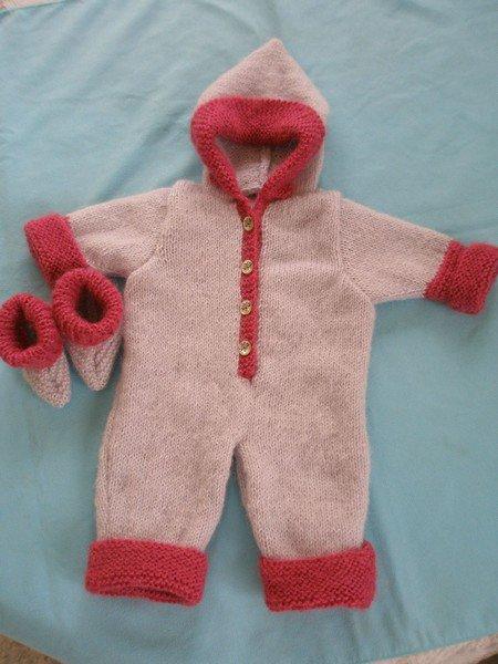 tuto tricot COMBINAISON ROSE ET ROUGE  Petite combi bien chaude.....