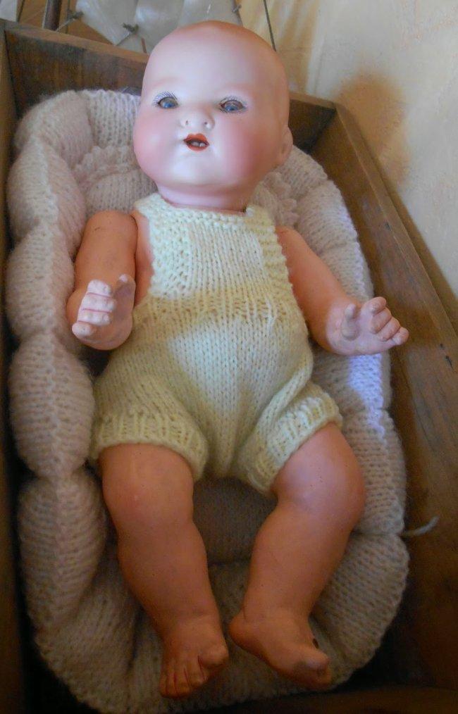 tuto tricot : une salopette courte pour Dream Baby 25 cm