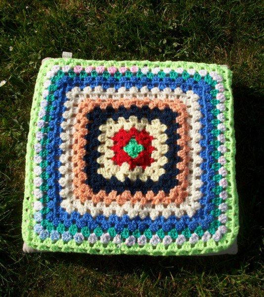 crochet : point de granny plusieurs couleurs