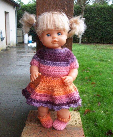 Melle Sophie et sa nouvelle robe.