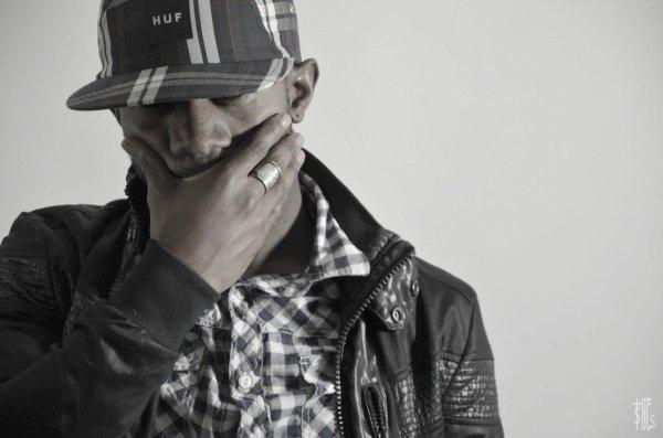 LE DOMPTEUR VOL.1 / STIMO - I Don't Speak English (2012)