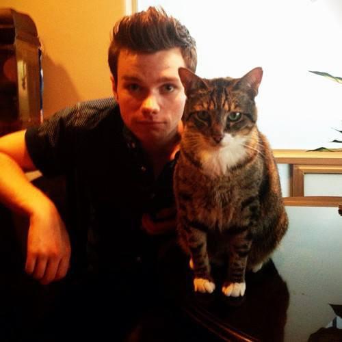 Chris et son chat trop mignon