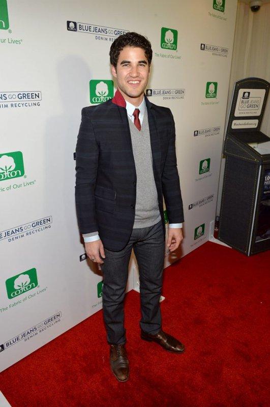 """Darren Criss à la célébration de """"Blue Jeans Go Green"""" (06/11/2013)"""
