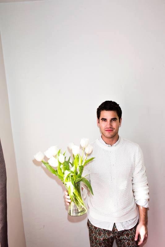 Darren photoshoots pour INDIE Magazine