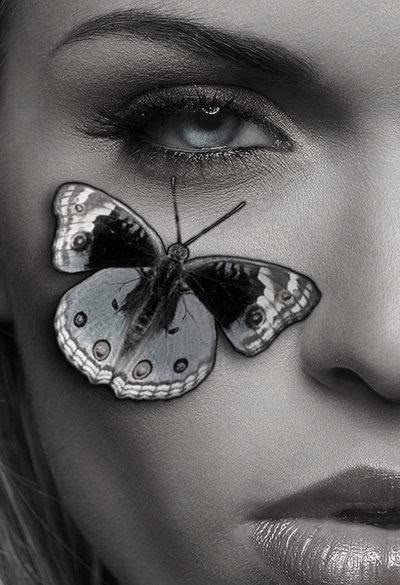 Ho un papillon sur ta page pour un vendredi 13.bonheur et chance!!! ***Bisousss***