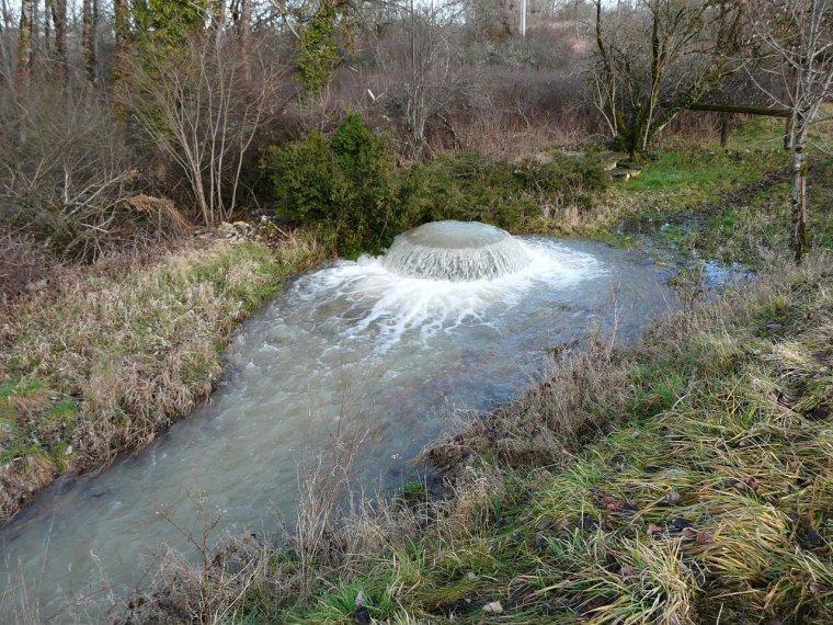 Hydrologie _ _ Puits artésien