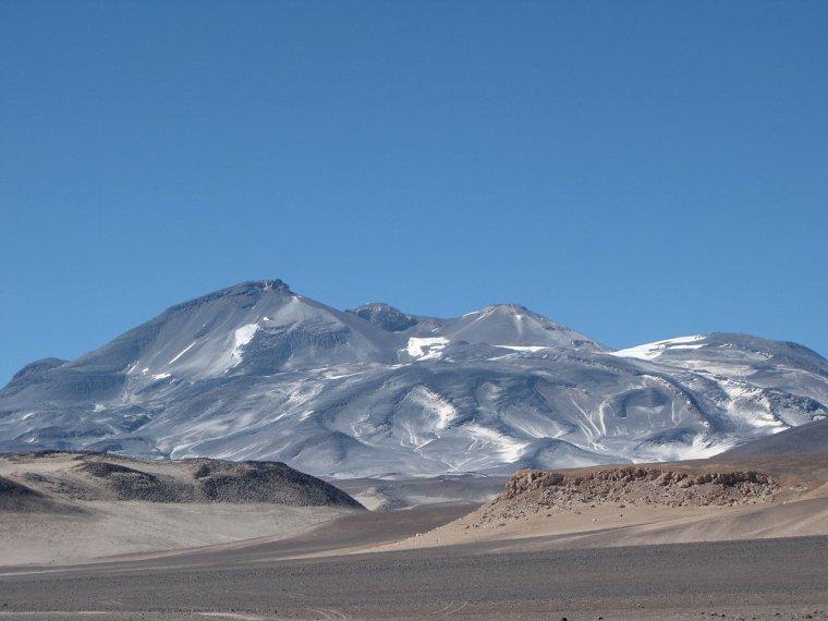 Volcan actif _ Nevado Ojos del Salado