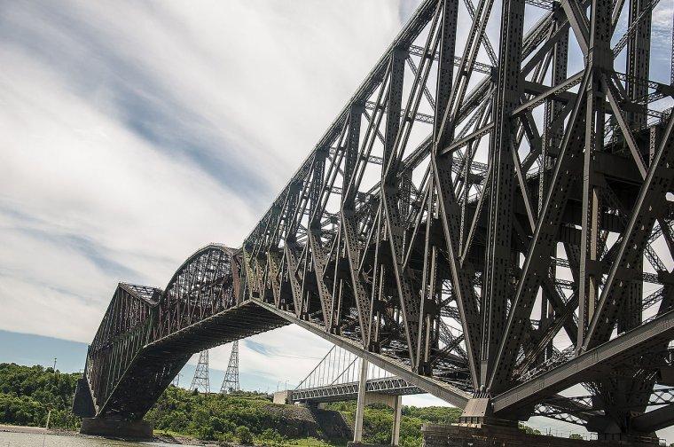 Canada  -  Pont de Québec